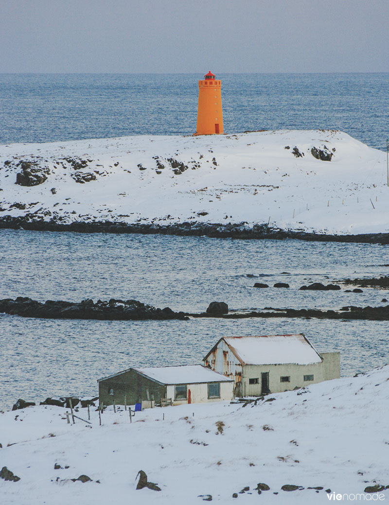 Phare orange de Vattarnes, Islande