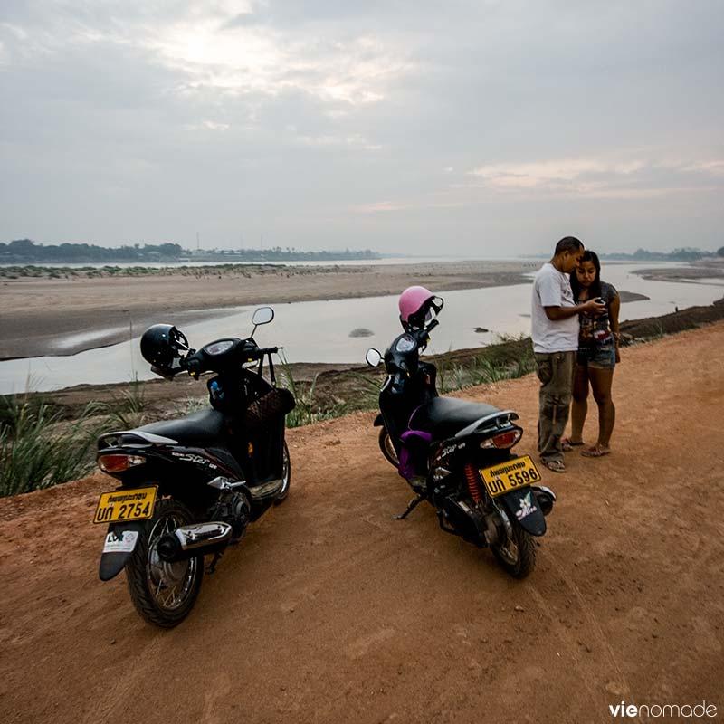 En scooter à Vientiane