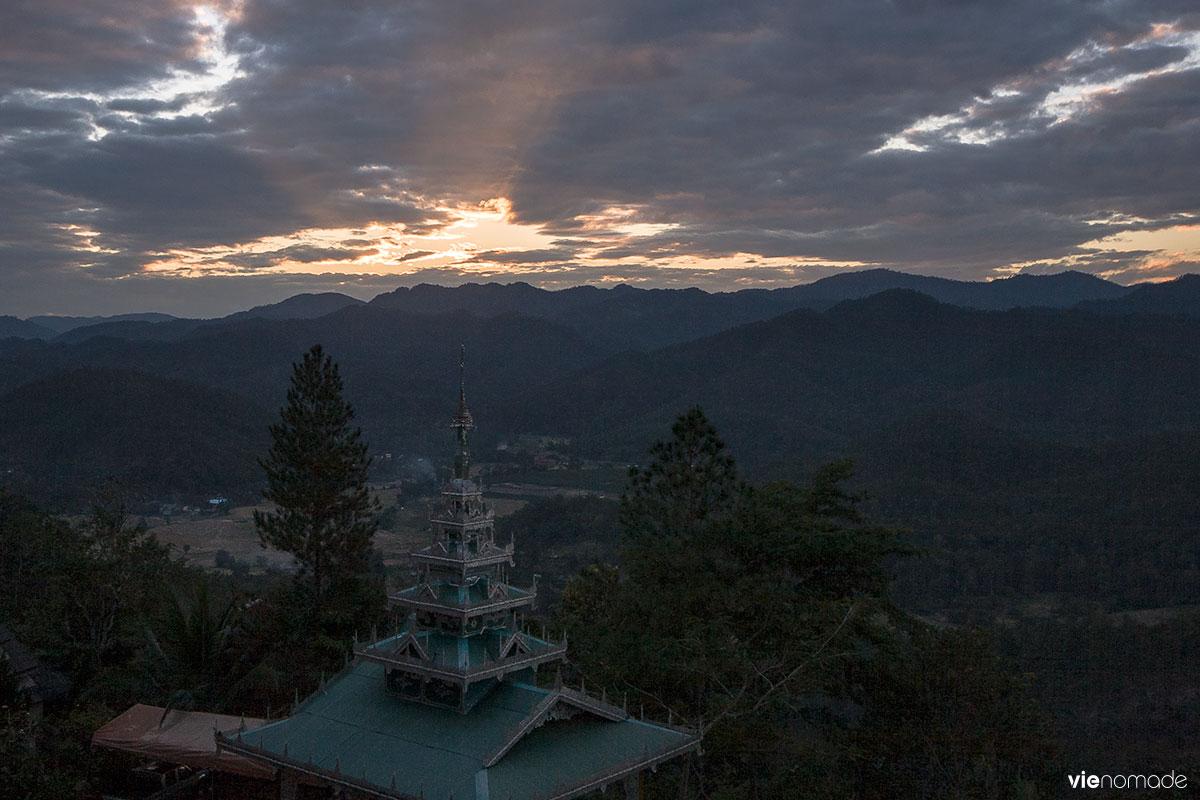 Mae Hong Son et le temple sur la montagne