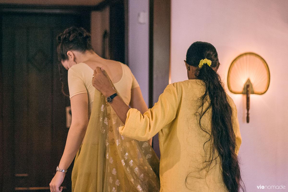 Porter un sari au Sri Lanka