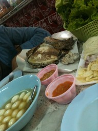 Repas au night market de Udon Thani