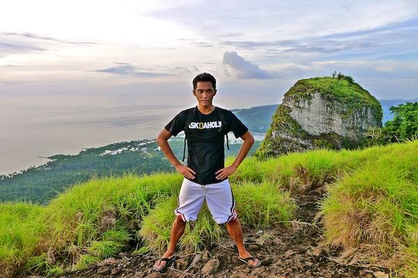 James au sommet du Mt. Bongao, Tawi-Tawi