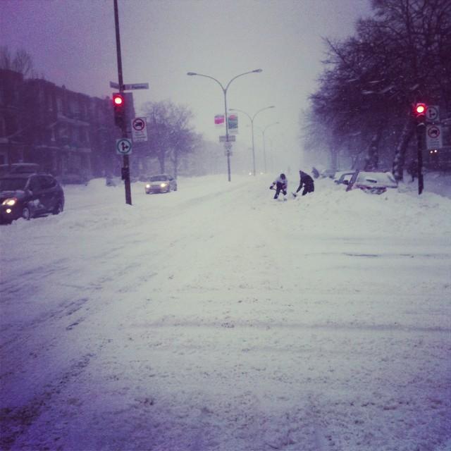 Tempête de neige record (45cm) sur Montréal