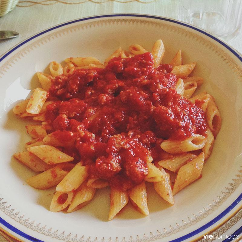 Pâtes à la sauce tomate à Naples