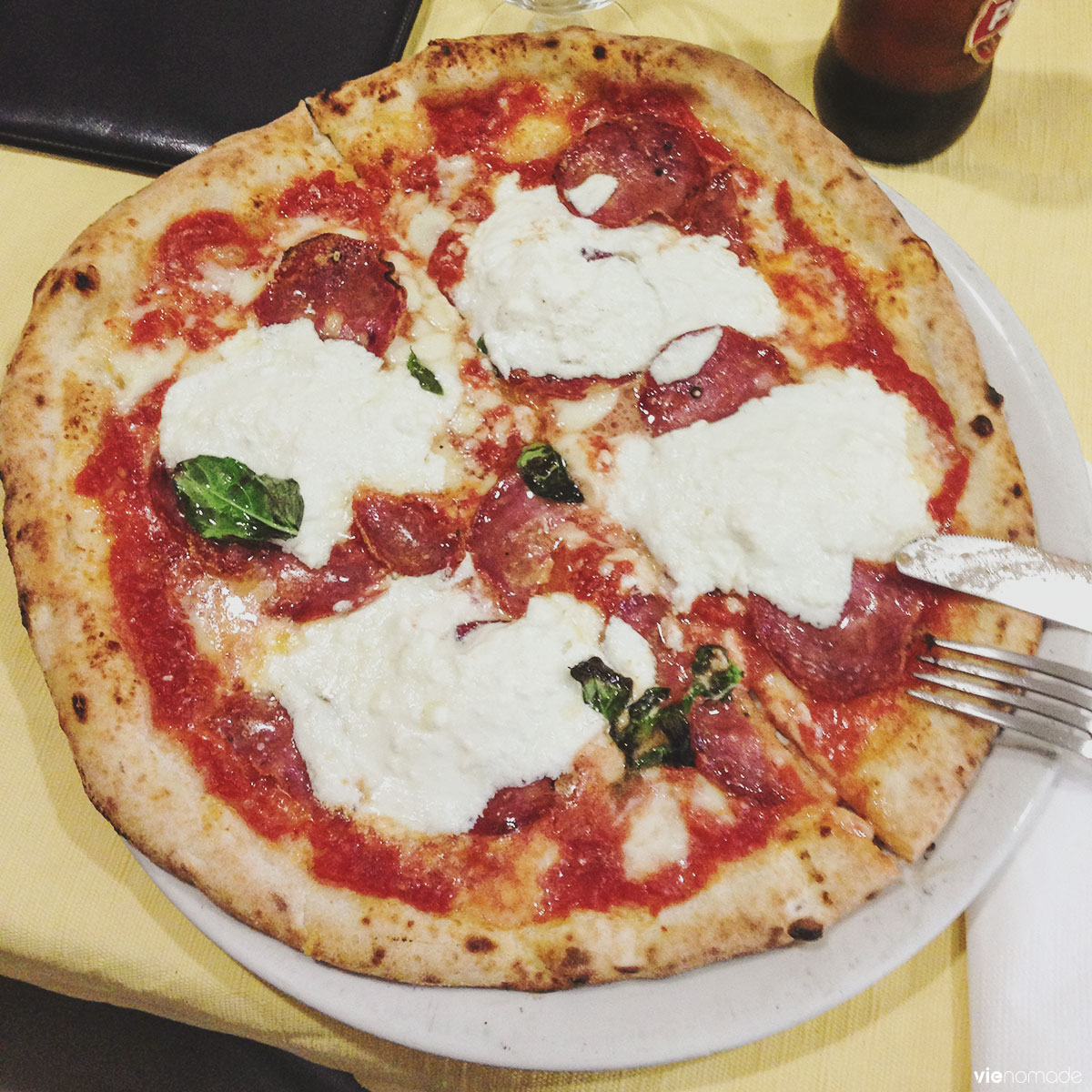 Pizza margherita à Naples