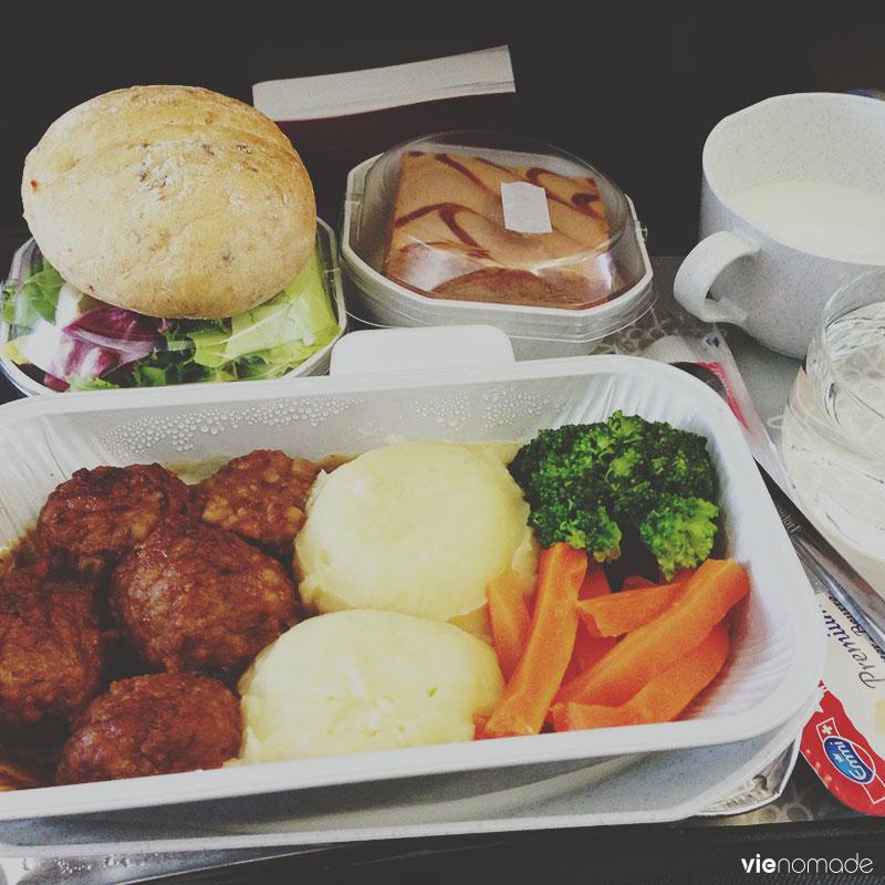 Repas suisse à bord d'Edelweiss Air