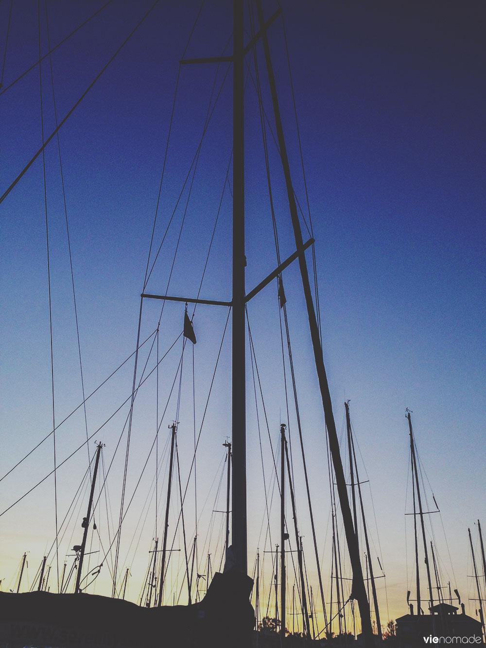 Voiliers dans le port de Torrevieja
