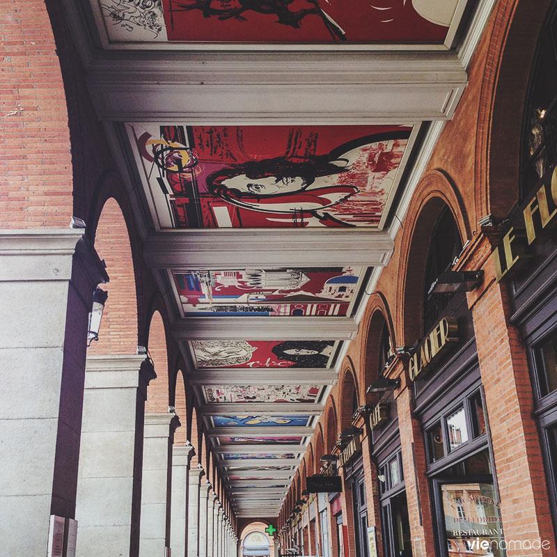 Arcades de la place du Capitole à Toulouse