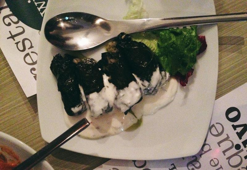 Manger en Macédoine: dolmadakia