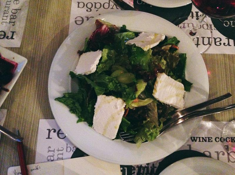 Manger en Macédoine: salade avec anthotiro