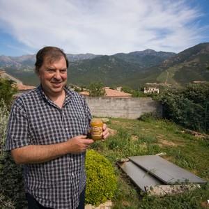 Jacques Laurent, apiculteur corse