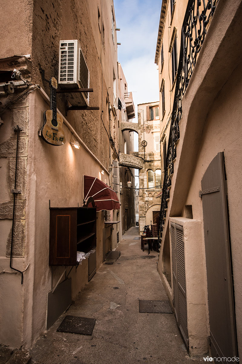 Que Faire Et O U00f9 Dormir  U00e0 Bonifacio  En Corse