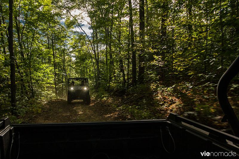 En buggy sur les sentiers de Sacacomie