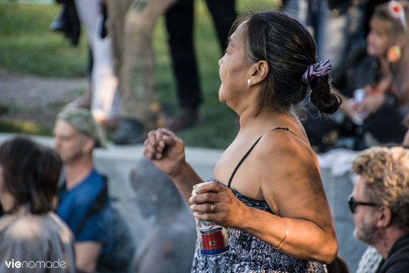 Danseuse aux tam-tams du Mont-Royal à Montréal