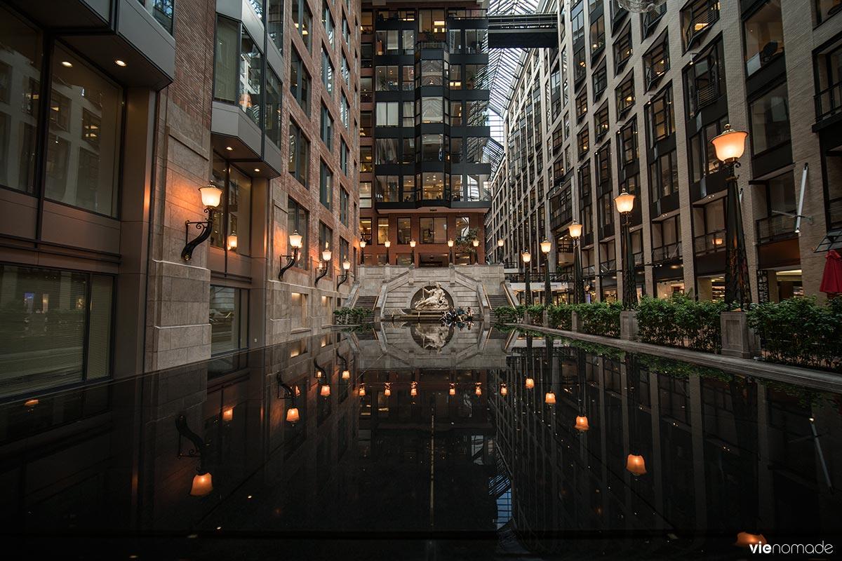 Fontaine d'Amphitrite dans les souterrains de Montréal