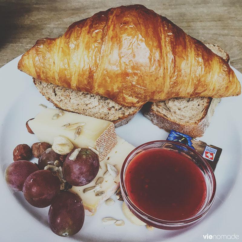 Petit-déjeuner suisse