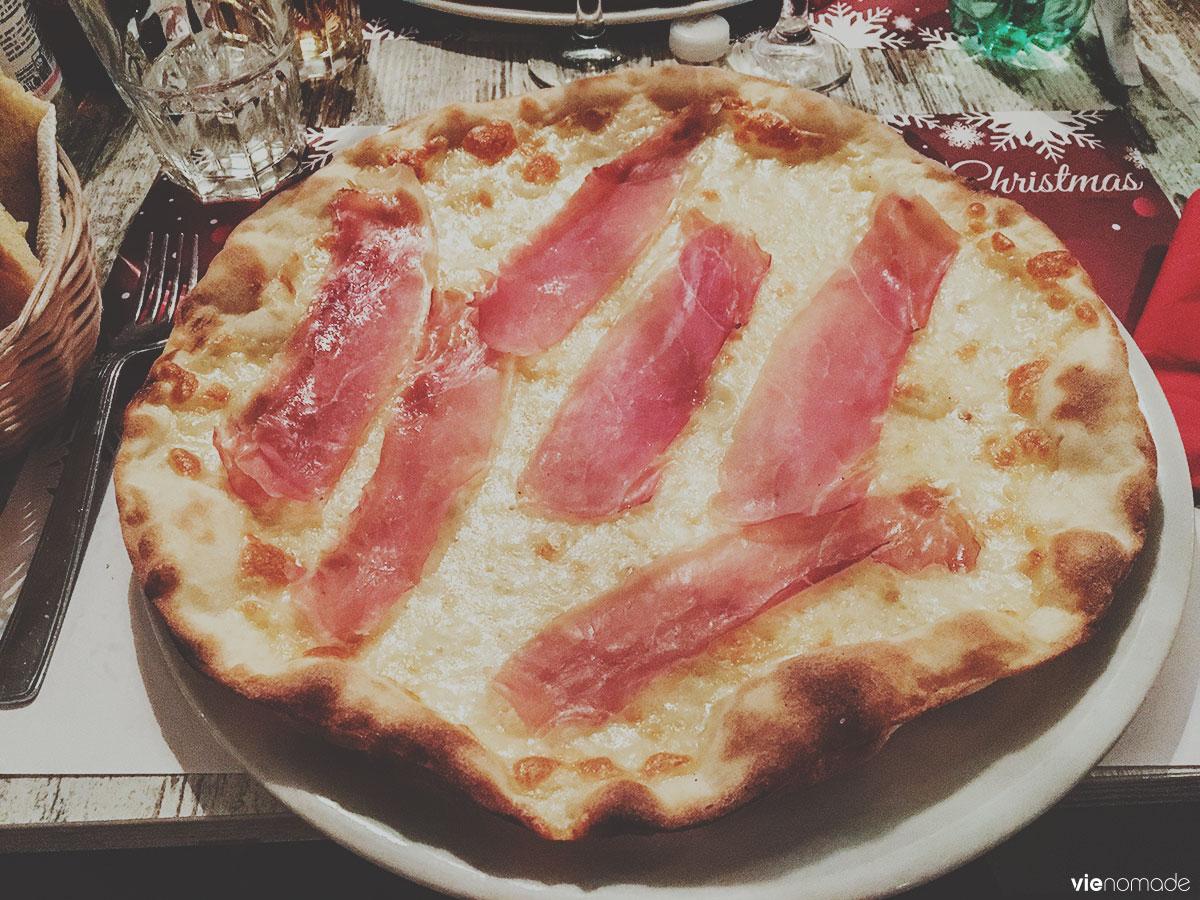 Une pizza romaine, à Rome!