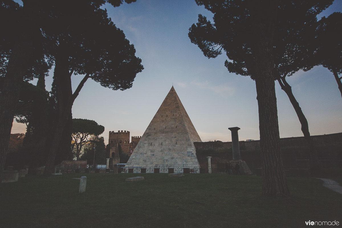 La pyramide de Rome, tombe de Caïus Cestius