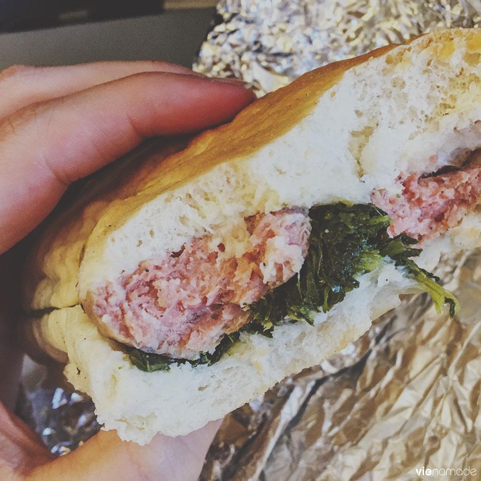 Sandwich (merenda) à la saucisse et aux broccoletti