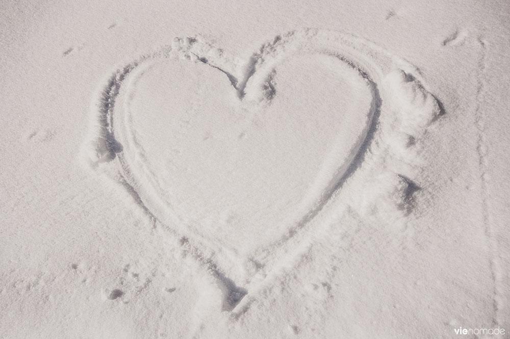 Un coeur dans la neige