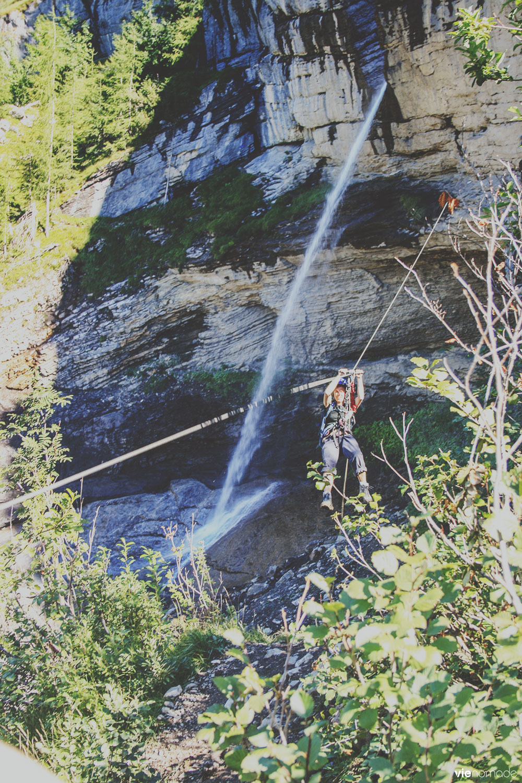 Tyrolienne de la via ferrata de la cascade du dar