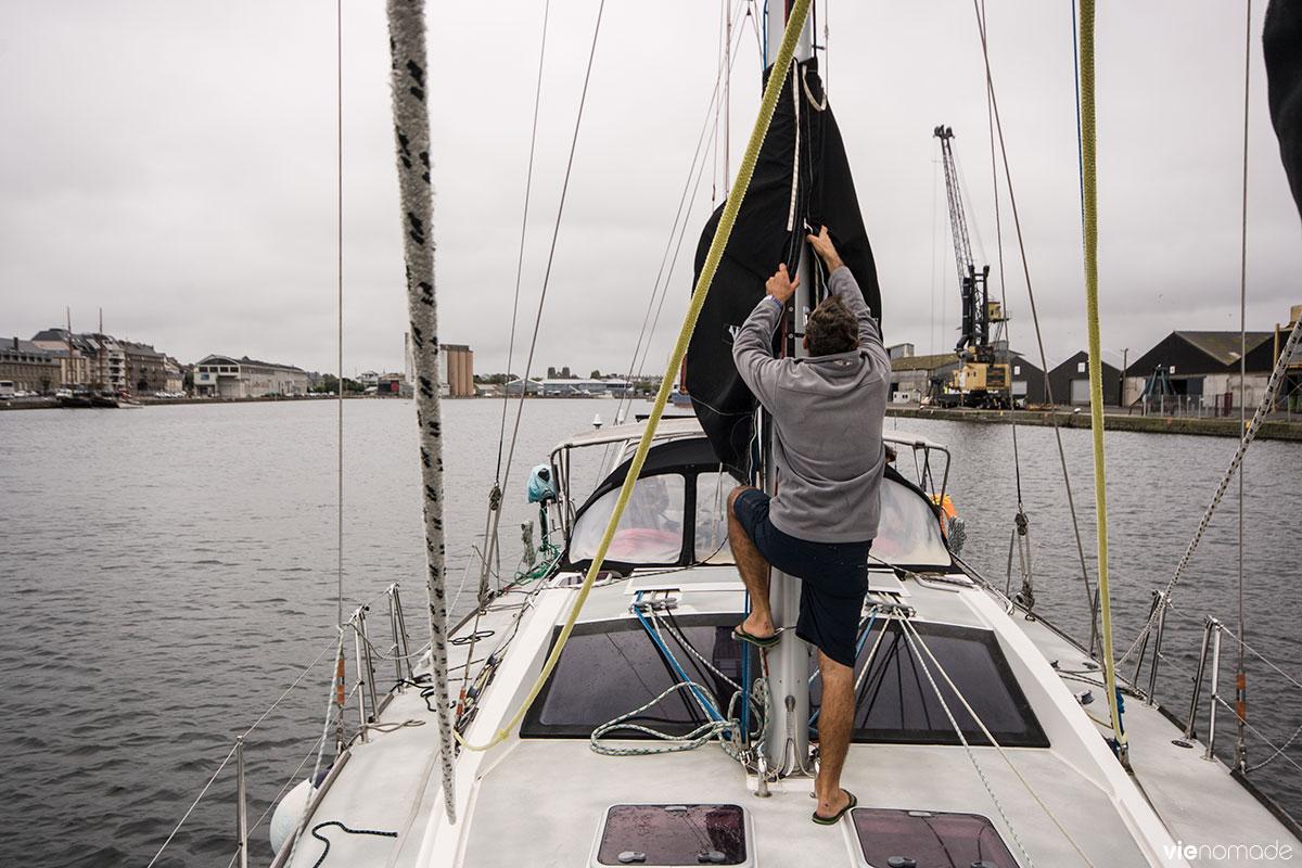 En voilier, au port de Saint-Malo