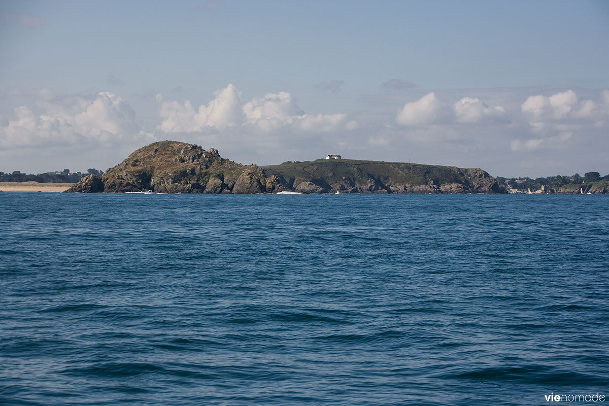 Navigation en voilier vers Cancale