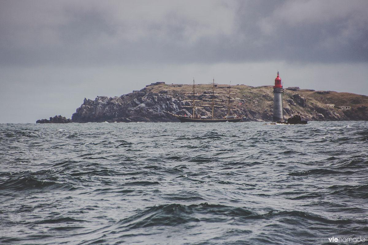 Croisière en voilier au large de Saint-Malo
