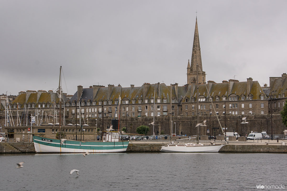 d 233 couvrir la bretagne en voilier avec skippair