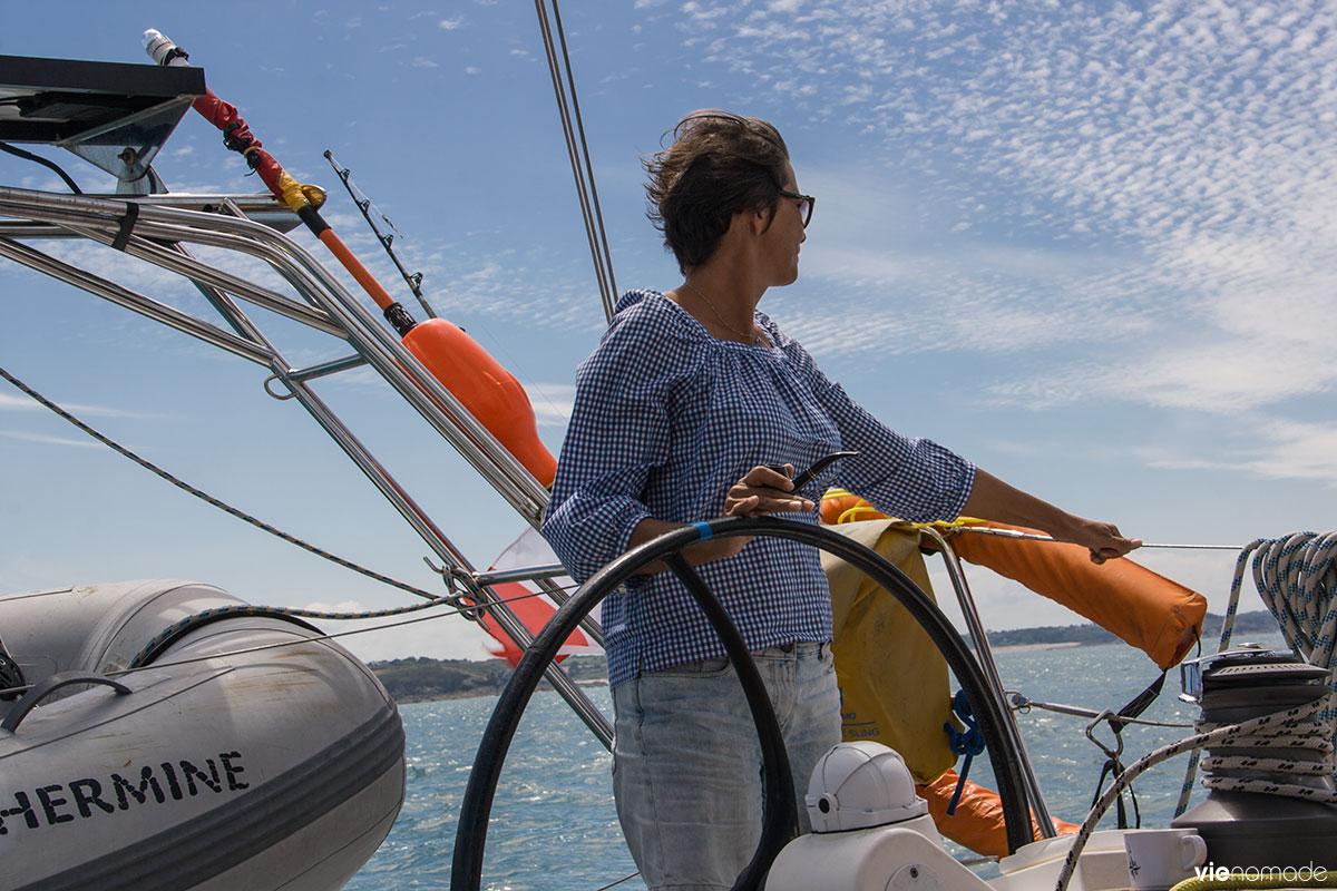 Navigation en voilier vers Saint-Malo
