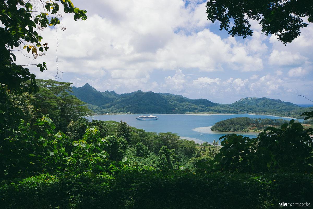 Paul Gauguin en croisière à Huahine