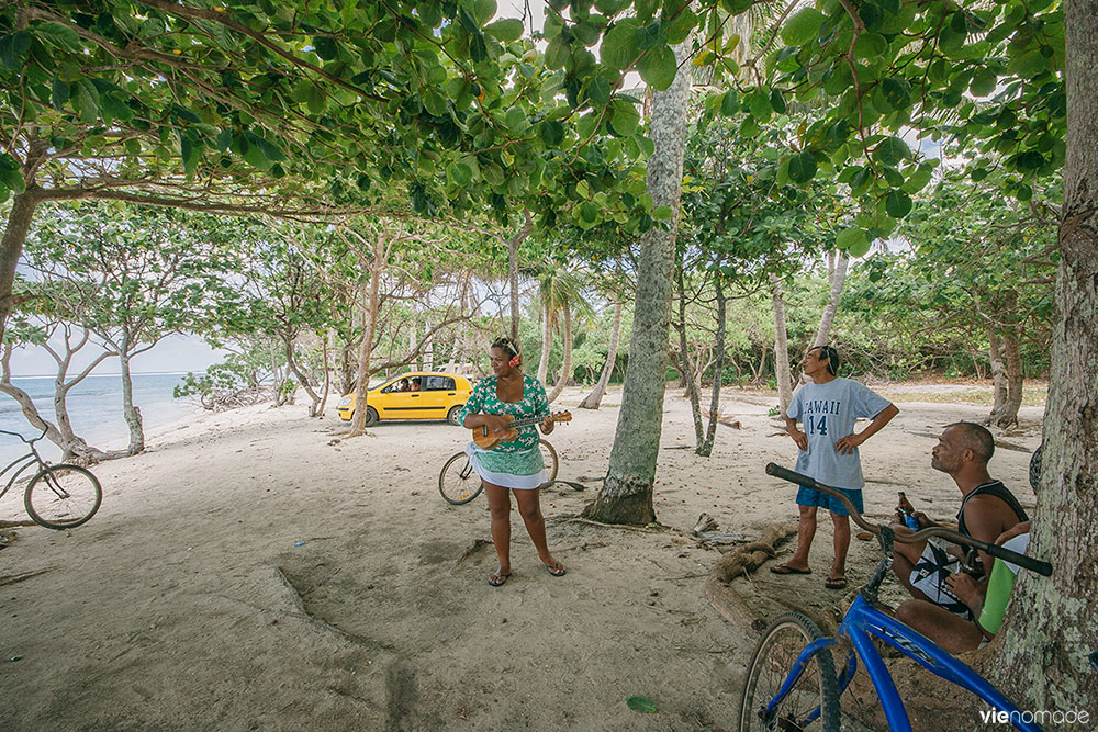 Poe Island Tour à Huahine, en musique!