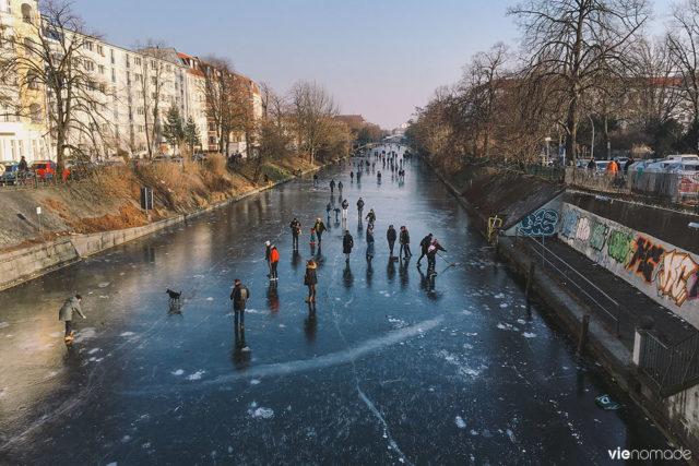 Patiner sur la Spree à Berlin, en hiver