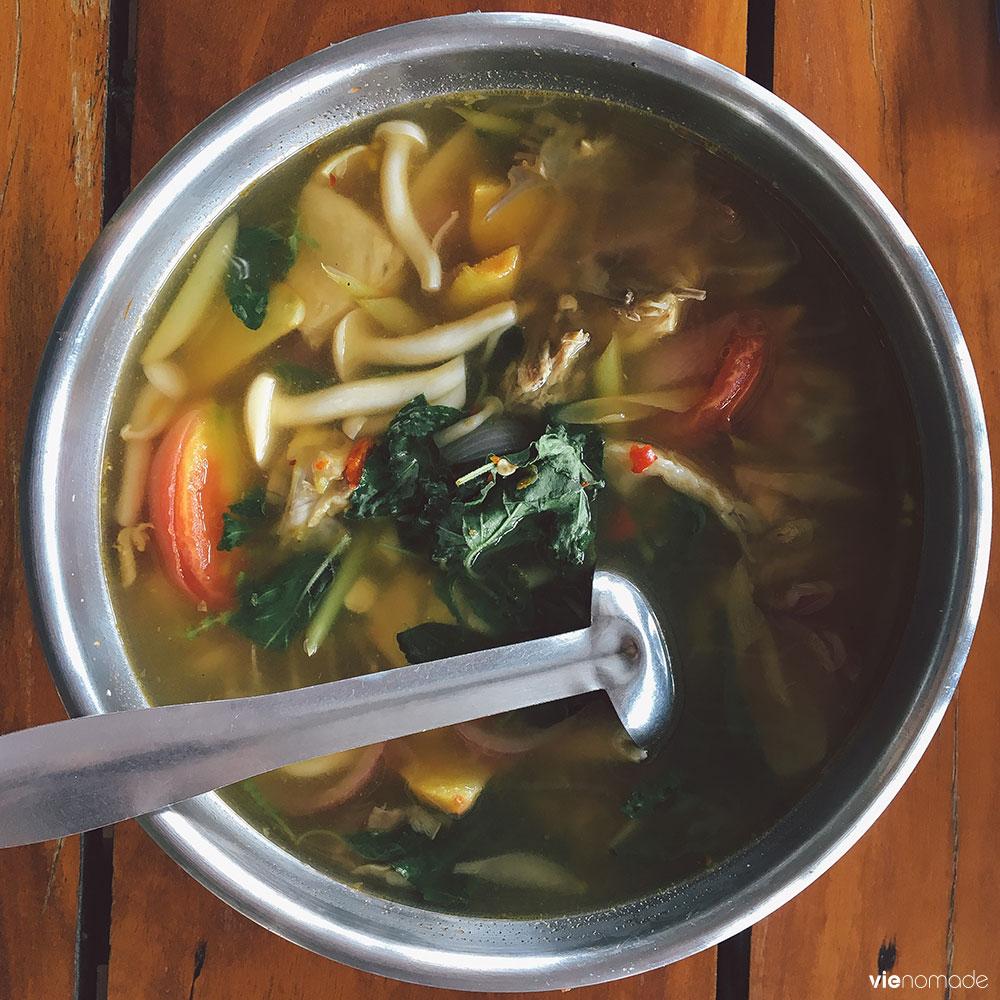 Tom yam gai, soupe de poulet