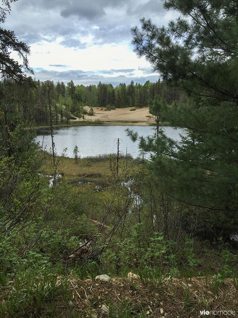 Lac d'esker de la forêt récréative de val-d'or
