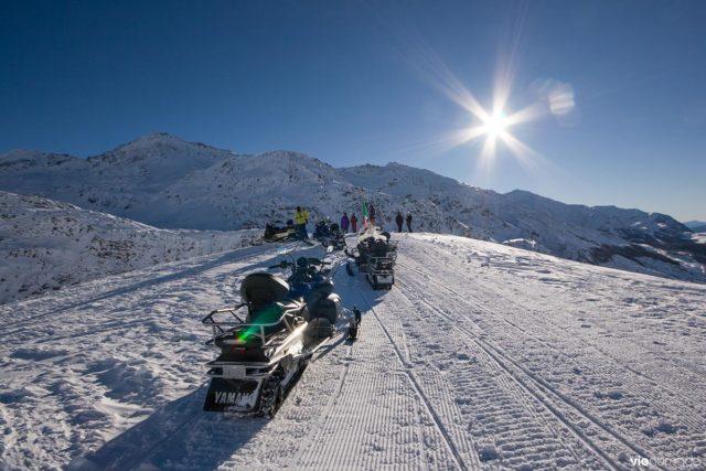 Moto-neige dans la Valtellina, en Lombardie, à Madesimo