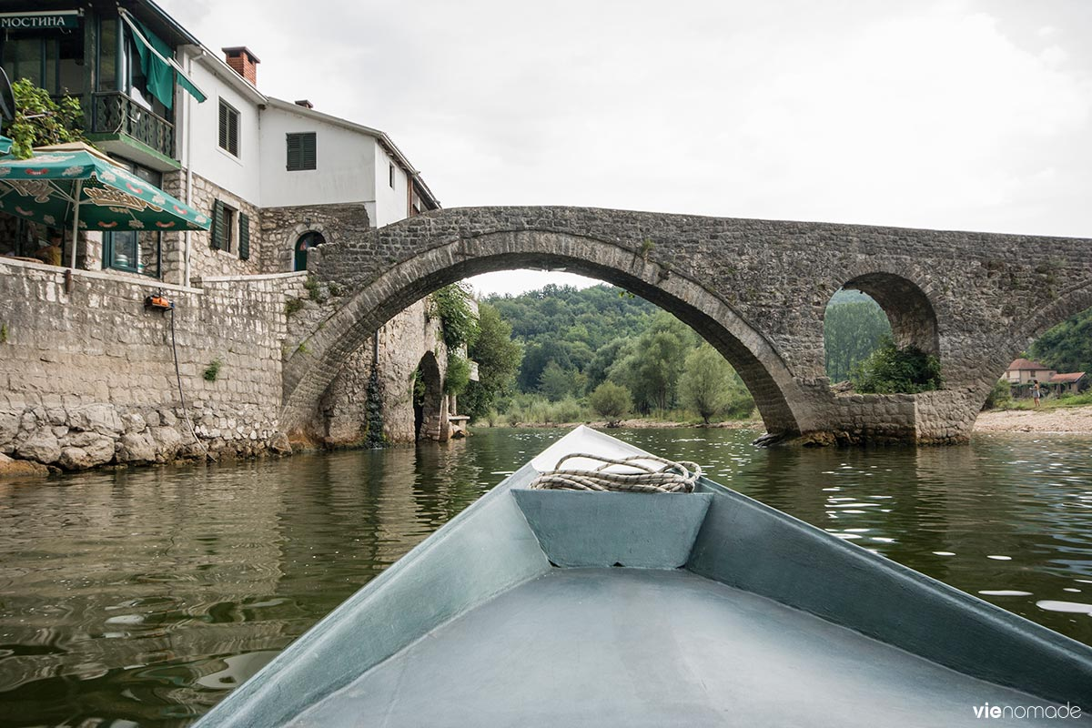 Bateau pour Skadar à Rijeka Crnojevica