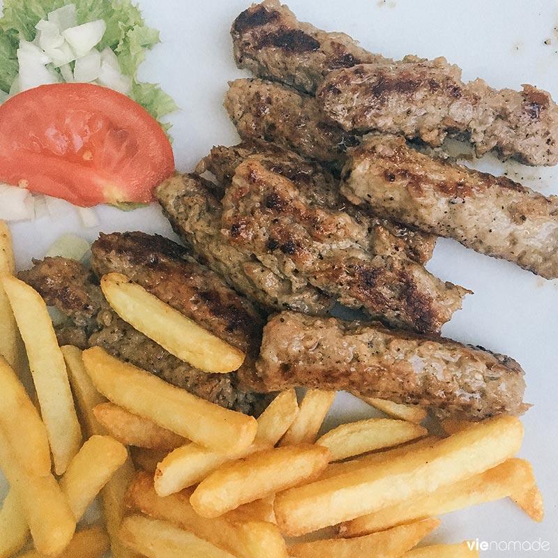 Manger des cevapi à Herceg Novi