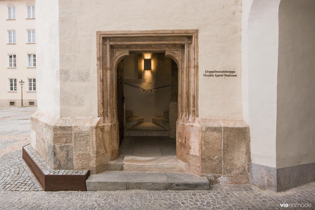 Doppelwendeltreppe: l'escalier à double spirale de Graz