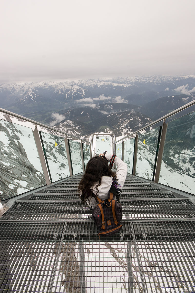 Escalier vers le Néant ou Stairway to Nothingness dans le Dachstein