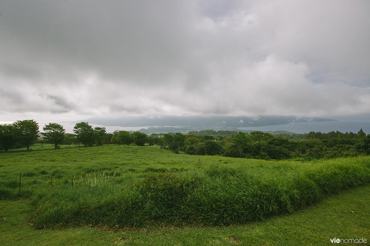 Vue du belvédère de Taravao