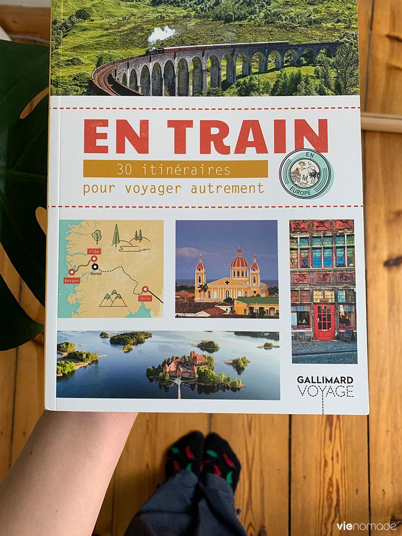 En train, le livre, Gallimard Loisirs